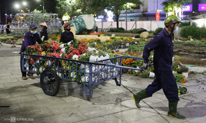 Saigon flower street cleared in wake of Tet