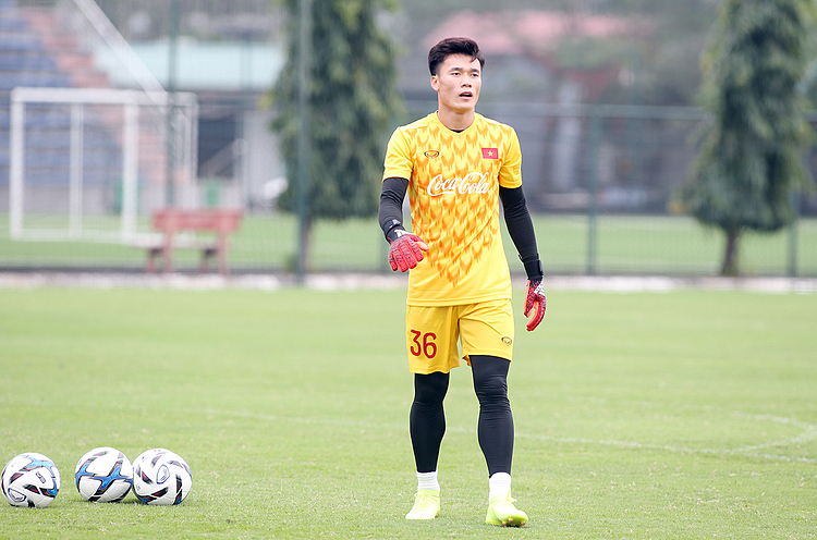 Bui Tien Dung during a training with the U23 Vietnam on March 7, 2019. Photo by VnExpress/Lam Thoa.