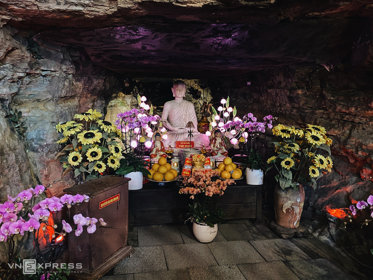 Local legend has it that a Buddhist monk came here in second century BC.