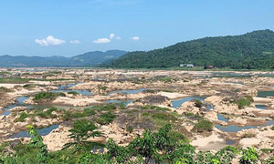 Mekong River water level rise barely discernible in Vietnam