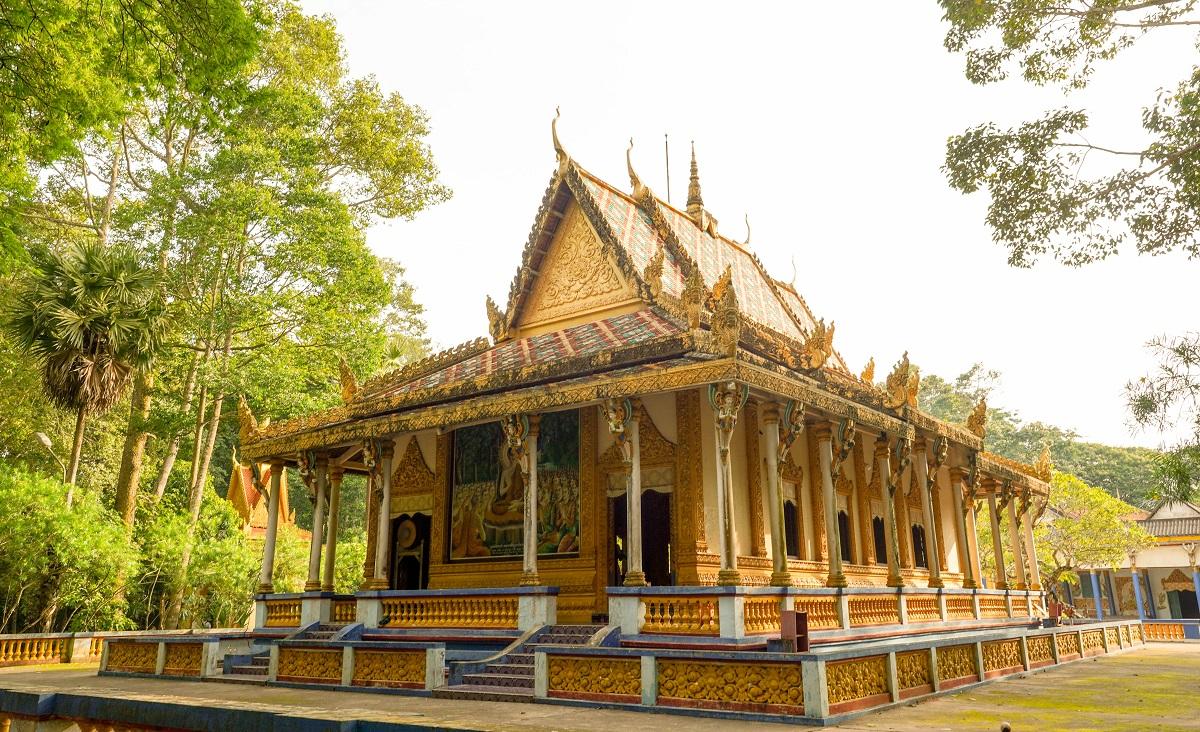 Four serene Khmer pagodas to explore in Soc Trang - 4