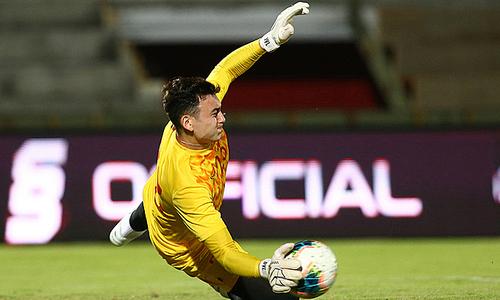 Japanese club registers Vietnamese keeper for new season
