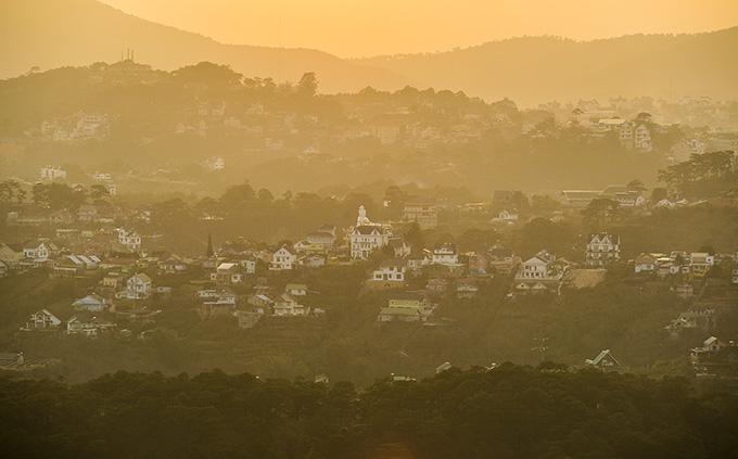 A breathtaking hillside glimpse of the town of eternal spring, Da Lat - 2