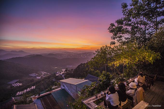 A breathtaking hillside glimpse of the town of eternal spring, Da Lat - 4