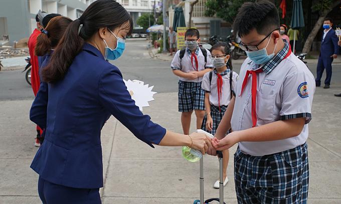 Saigon students to resume school next Monday after extended Tet break