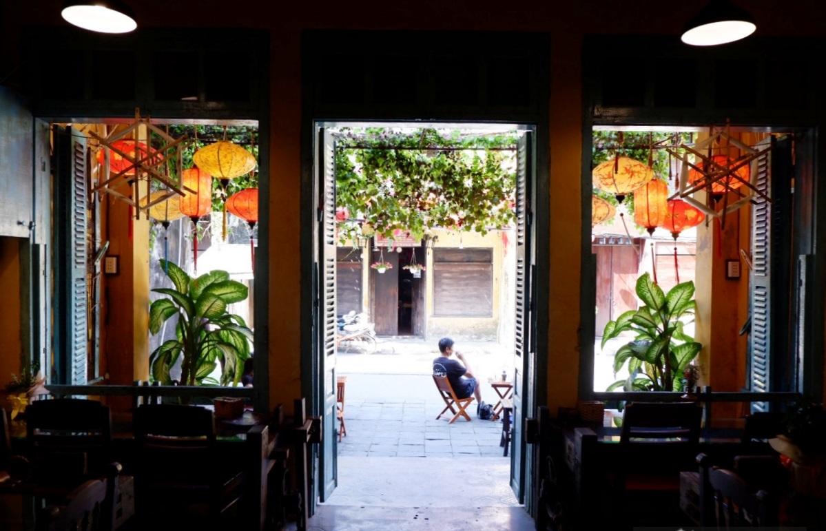 New Hoi An café weaves handicrafts into its theme