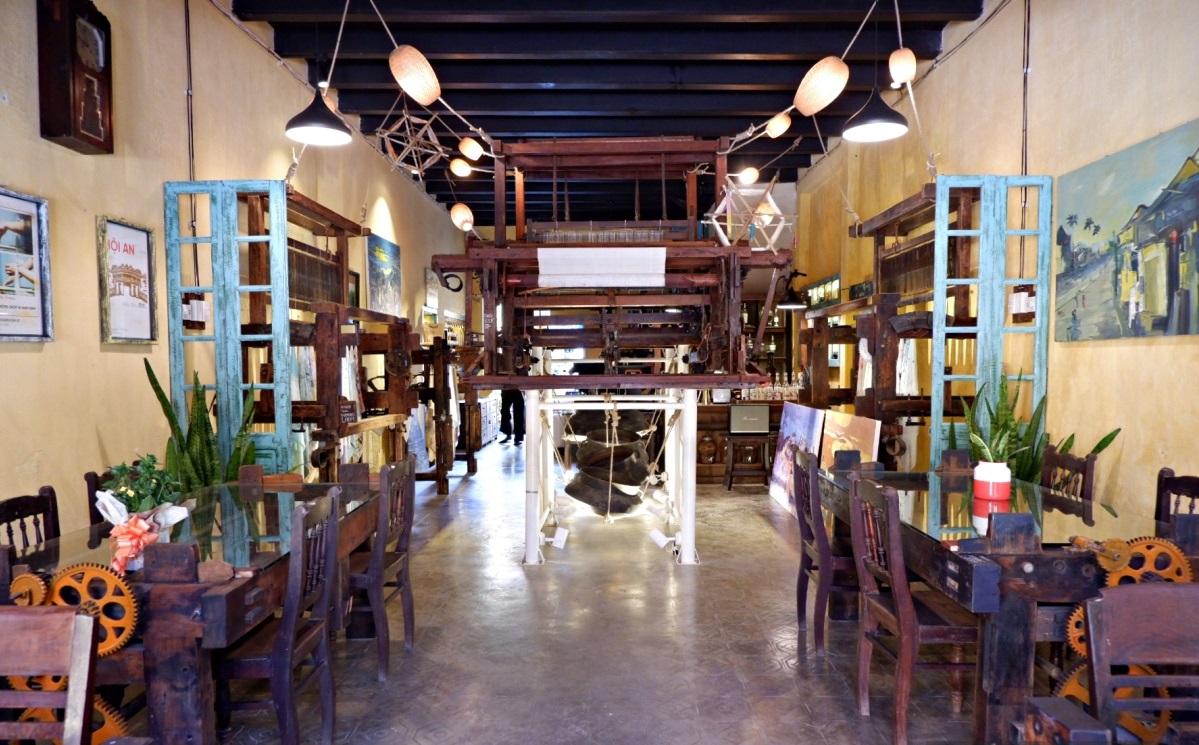 New Hoi An café weaves handicrafts into its theme - 2