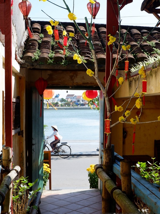 New Hoi An café weaves handicrafts into its theme - 4
