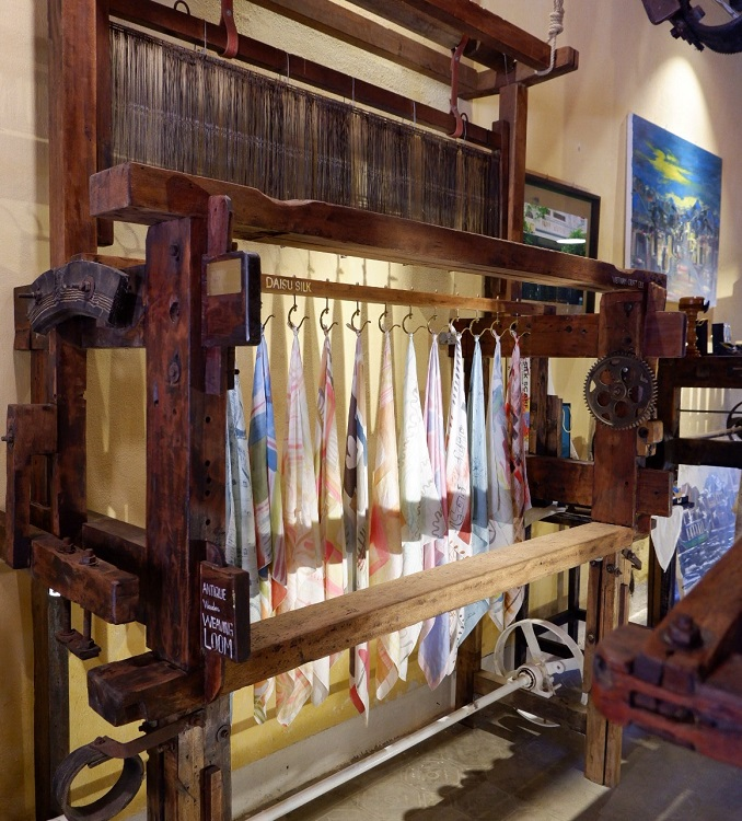 New Hoi An café weaves handicrafts into its theme - 12