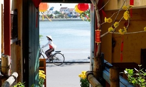 New Hoi An cafe weaves handicrafts into its theme