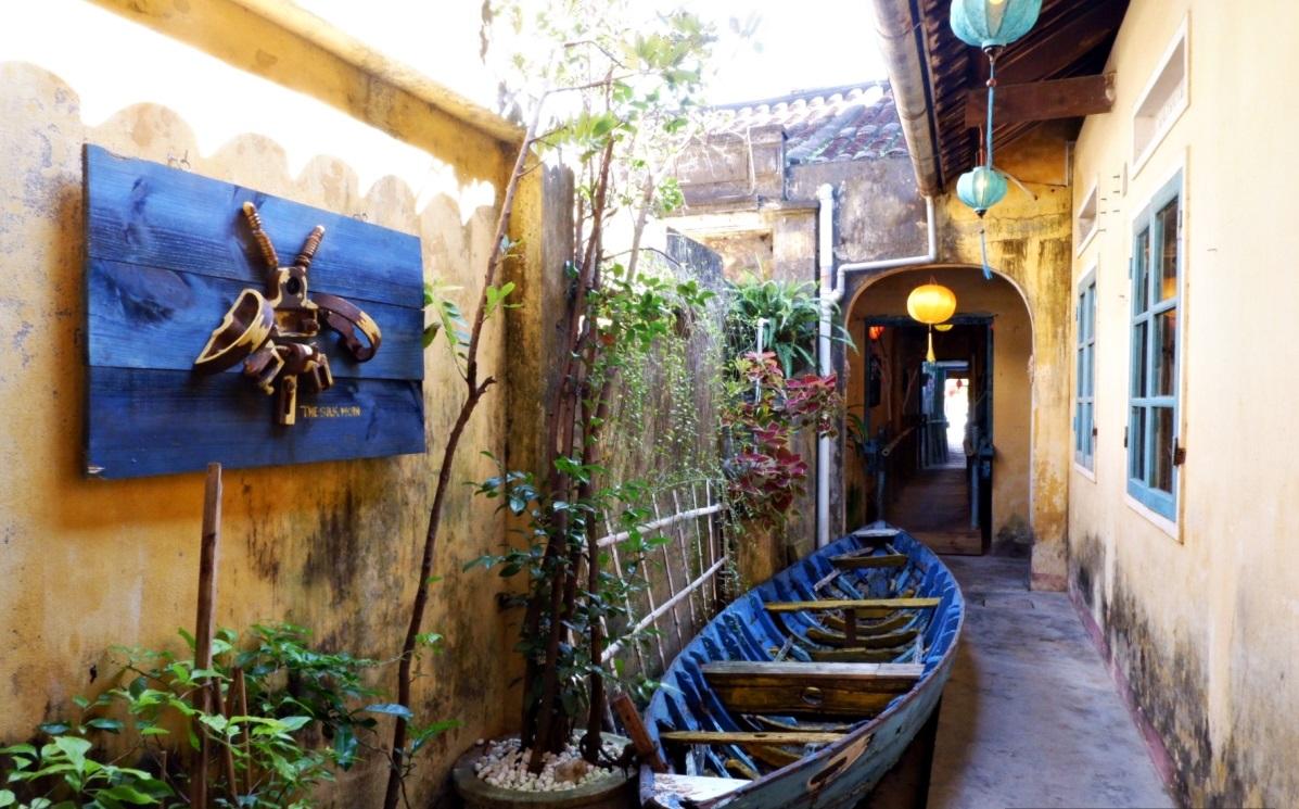 New Hoi An café weaves handicrafts into its theme - 6
