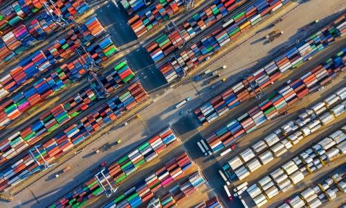 Vietnam begins year with $1.3 bln trade surplus