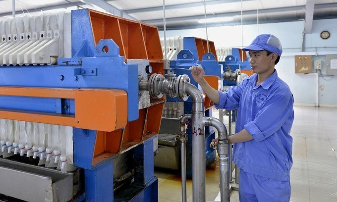 Vietnam manufacturing index inches up