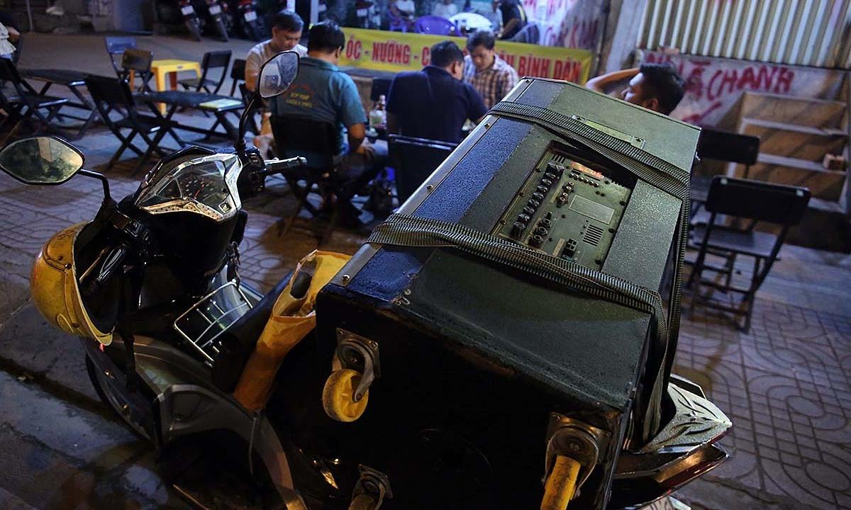 Mekong Delta province stops mobile karaoke over Covid-19 fears – VnExpress International