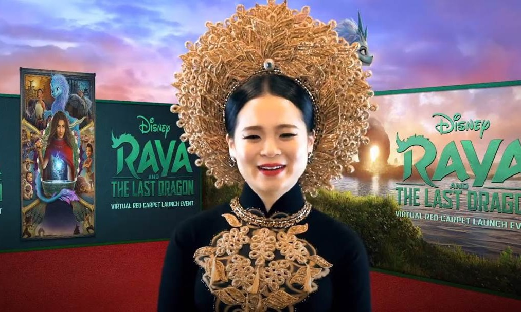 Tran wears ao dai and khan dong on the red carpet. Photo courtesy of Disney.
