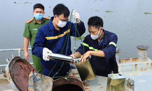 Customs officer arrested in fake gasoline ring bust