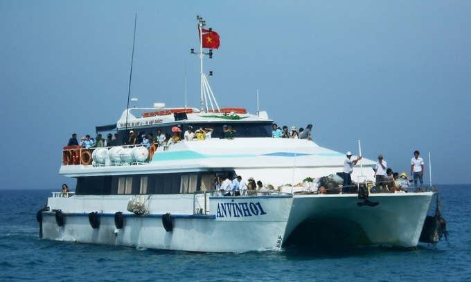 Quang Ngai authorities relent on allowing boats from Da Nang to Ly Son Island