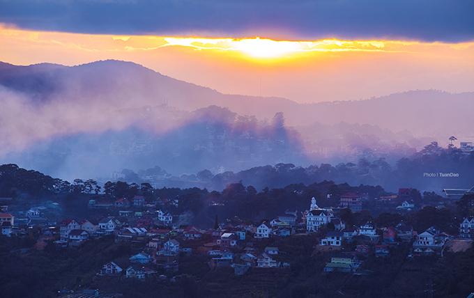 A breathtaking hillside glimpse of the town of eternal spring, Da Lat
