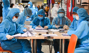Hanoi to roll out mass testing for Covid-19 amid fears of imported cases