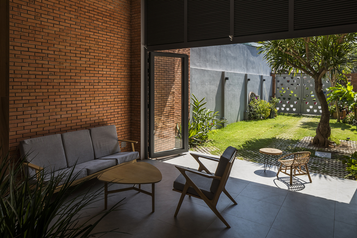 The two awnings at the front and back of the house boosts ventilation, and reminds homeowners of their childhood memory, as they used to sit at their houses awnings to wait for their mothers to come home.
