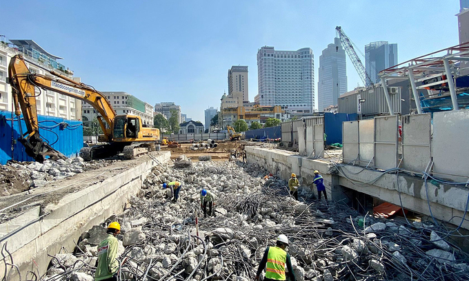 Construction site to be cleared in downtown HCMC as metro station nears completion