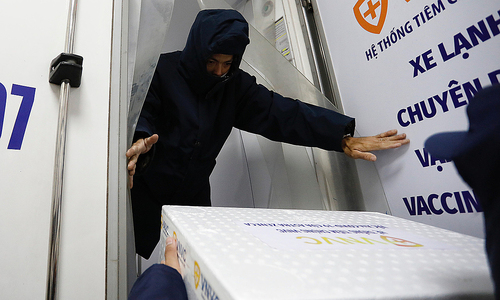 Importer to hand 30 mln Covid-19 vaccine doses to health ministry