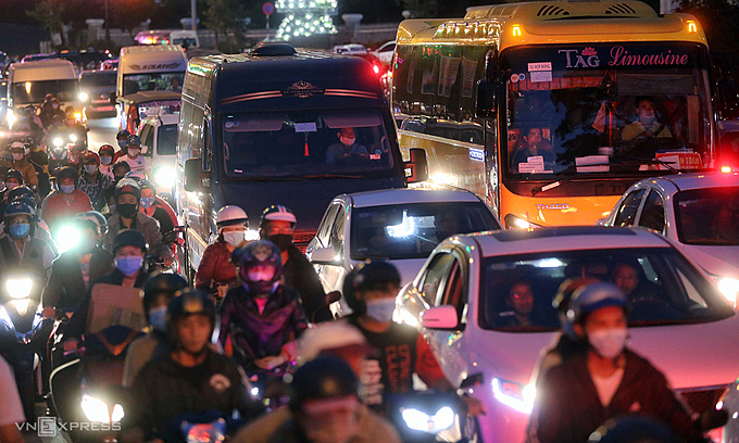 Da Lat to get first ever traffic lights to ease congestion – VnExpress International