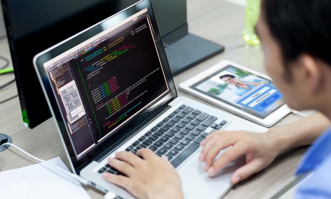 IT engineers' salaries soar as supply cannot meet demand