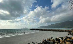 Con Dao Islands in northeast monsoon wind season