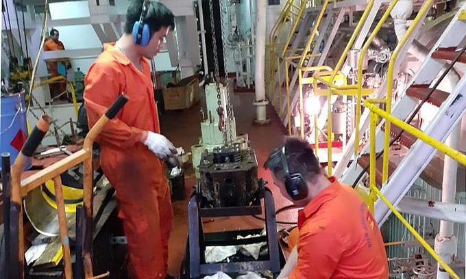 Marooned at sea, Vietnamese sailors suffer from homesickness