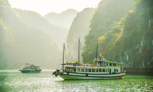 Ha Long Bay ticket sales plunge to 20-year low
