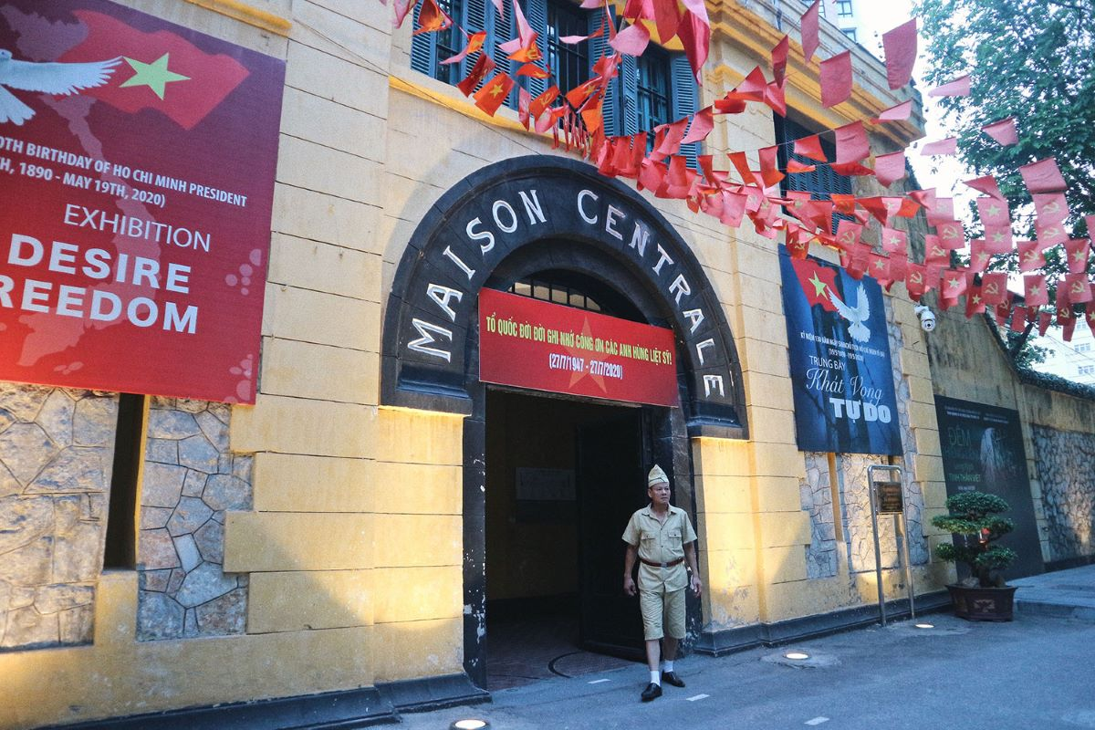 Eight landmark French-era buildings in downtown Hanoi - 2