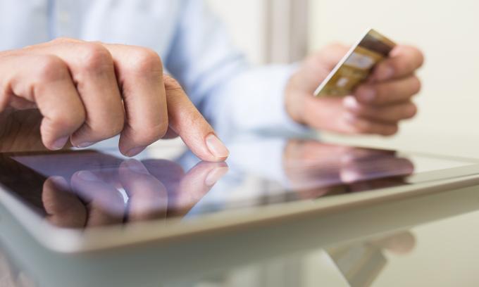 Taxman asks e-commerce companies about online vendors' incomes
