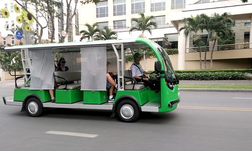 Ministry remains lukewarm to HCMC minibus proposal