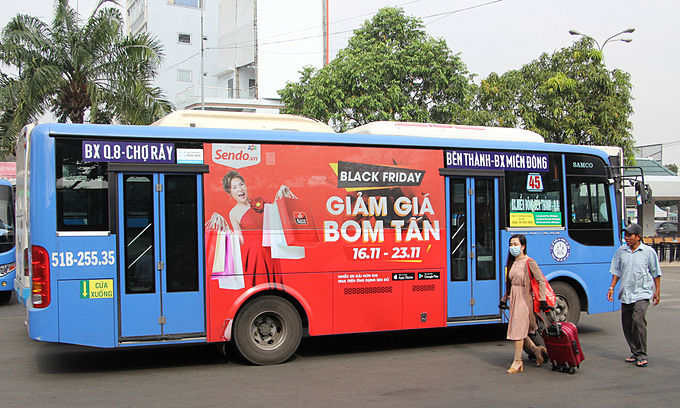 HCMC says public bus ads should continue