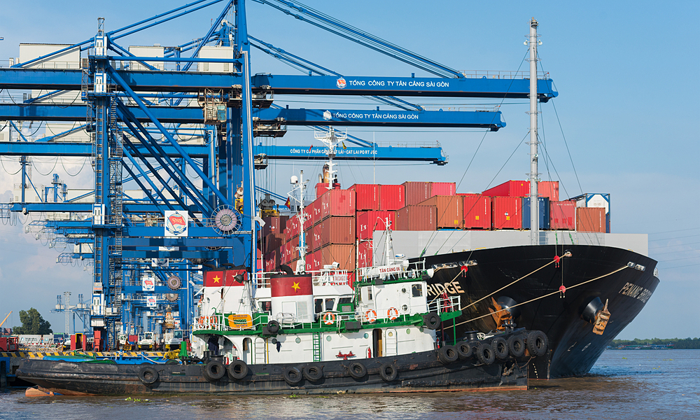 A container ship at Cat Lai Port in HCMC, October 2015. Photo by Shutterstock/withGod.