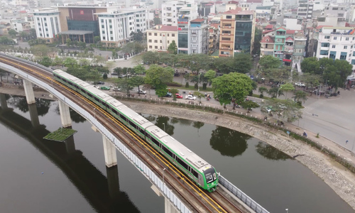 Chinese contractor begins transferal of first metro line to Hanoi