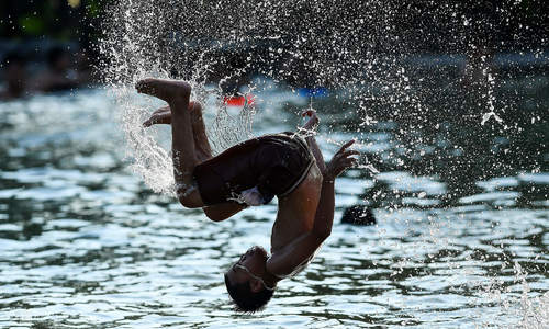 Weatherman forecasts cooler summer for Vietnam