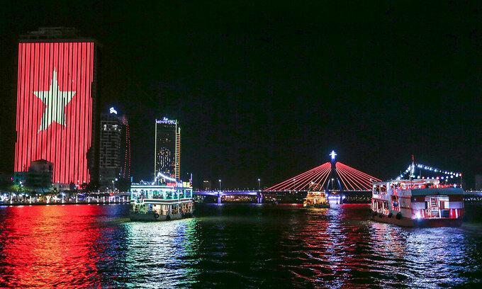 Da Nang river to be ablaze with art lighting rig