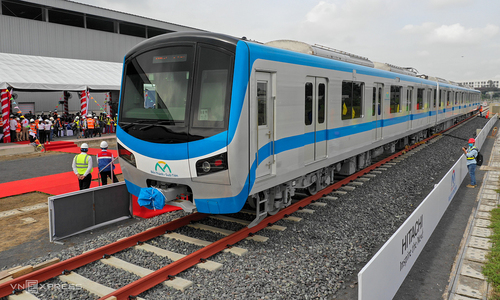 Faults found in more beams in HCMC metro