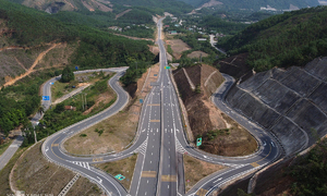 Central Vietnam expressway gears up for June launch