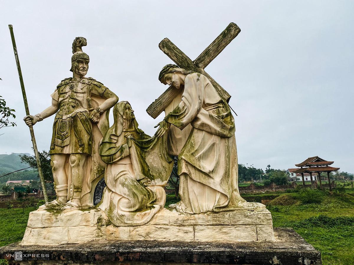 Churches add charm to Quang Binh