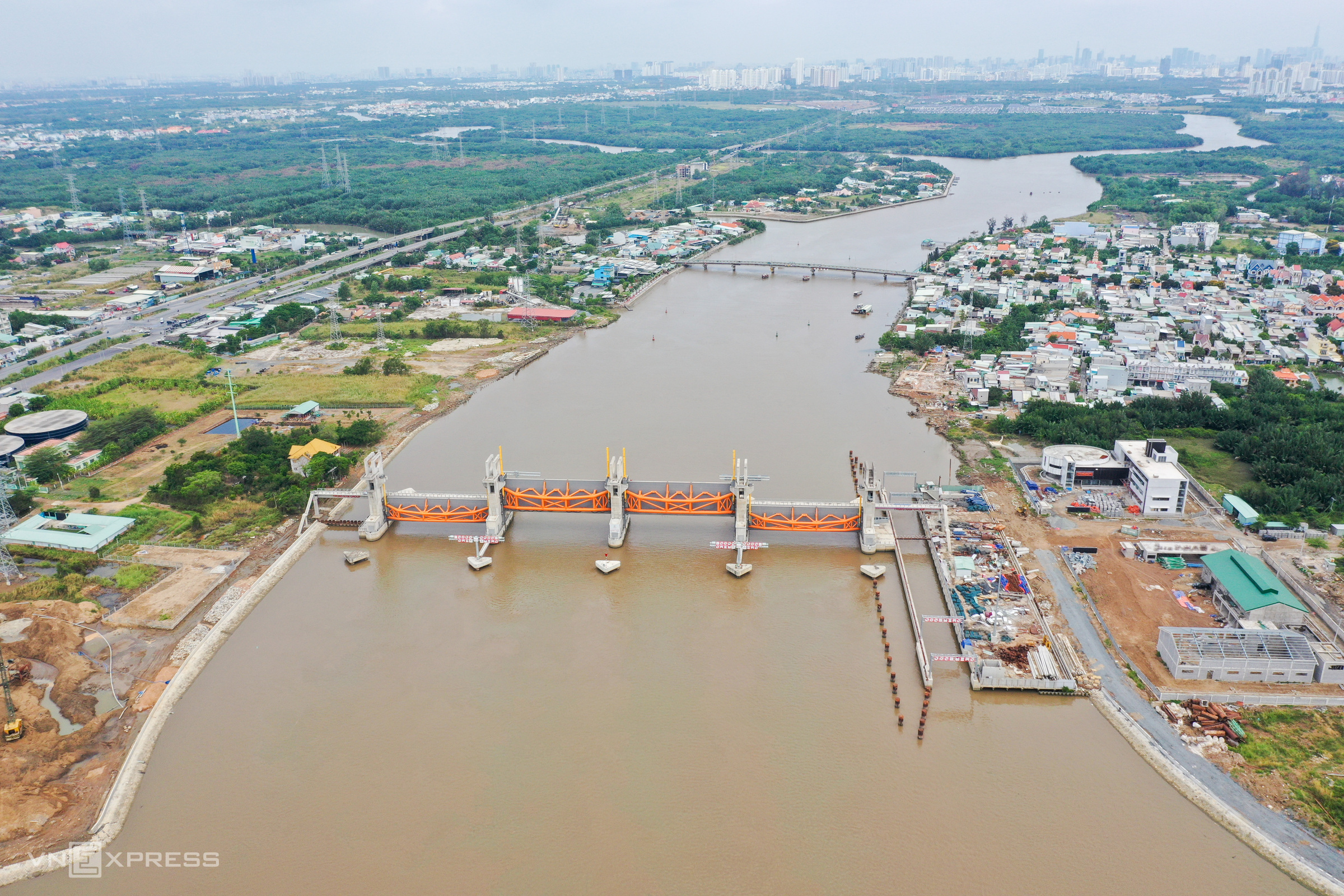 $436 mln HCMC anti-flood project yet to bear fruit