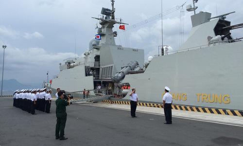 Vietnam frigate performs combat drills at Spratly archipelago