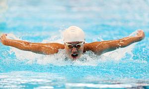 Star swimmer breaks multiple records in national tournament