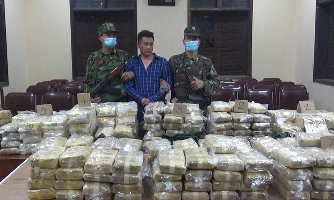 Four caught trafficking 350 kg of drugs