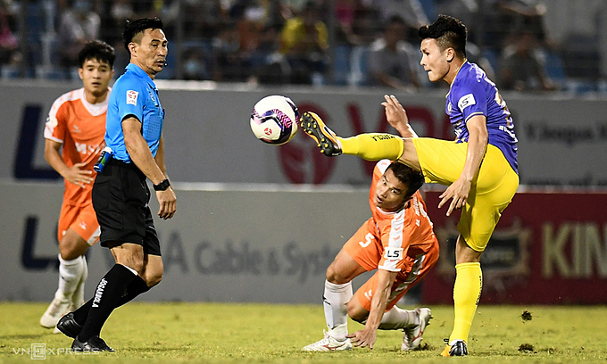 Referee suspended for inaccurate V. League calls