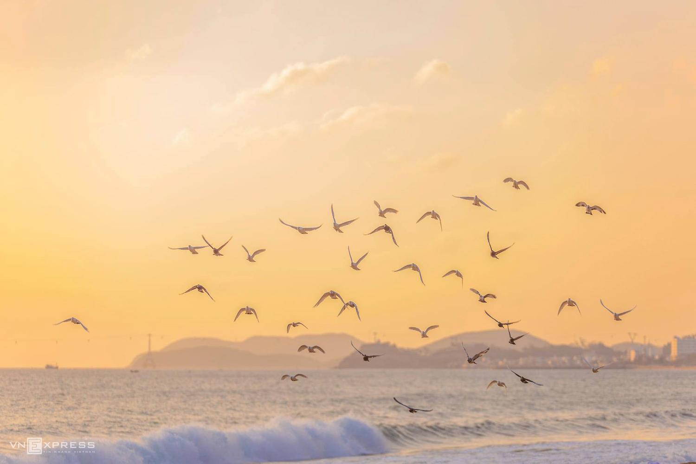 Dawn breaks over famed Nha Trang beach