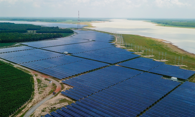 Vietnam plans more solar, wind power cuts