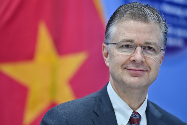 U.S. ambassador Daniel Kritenbrink in the press conference on April 7, 2021 in Hanoi. Photo by VnExpress/Giang Huy.